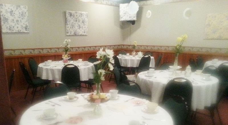 Banquet room decorated for a wedding